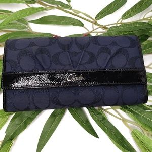 Coach Navy Blue Soho Wallet Signature Patent